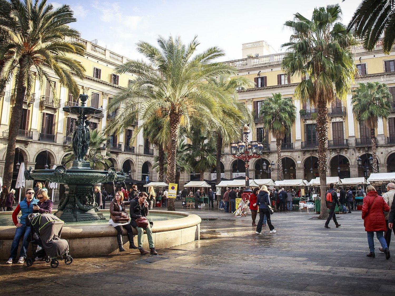 Großer Platz im Innenhof Barcelona