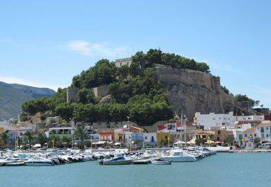 Blick auf die alte Burganlage Denia Spanien