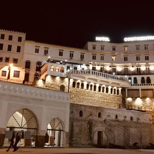 Die Medina von Tanger bei Nacht