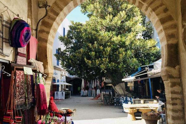 Ein schöner Hinterhof in der Medina von Essaouira