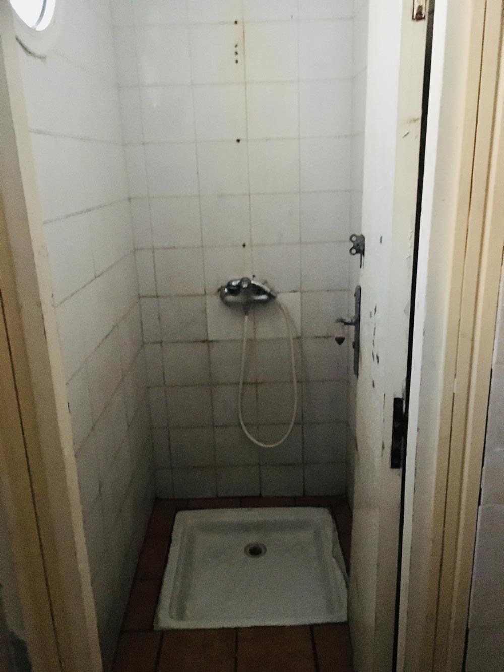 Dusche vom Yachthafen in Agadir