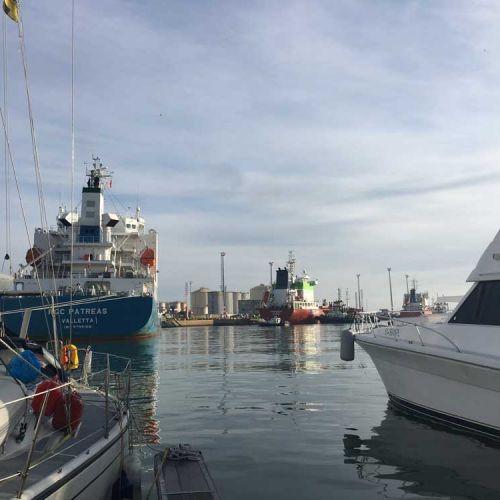 Frachter_Hafen_Mohammedia