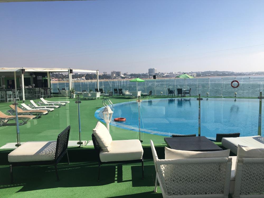 Pool Landschaft auf Dachterrasse